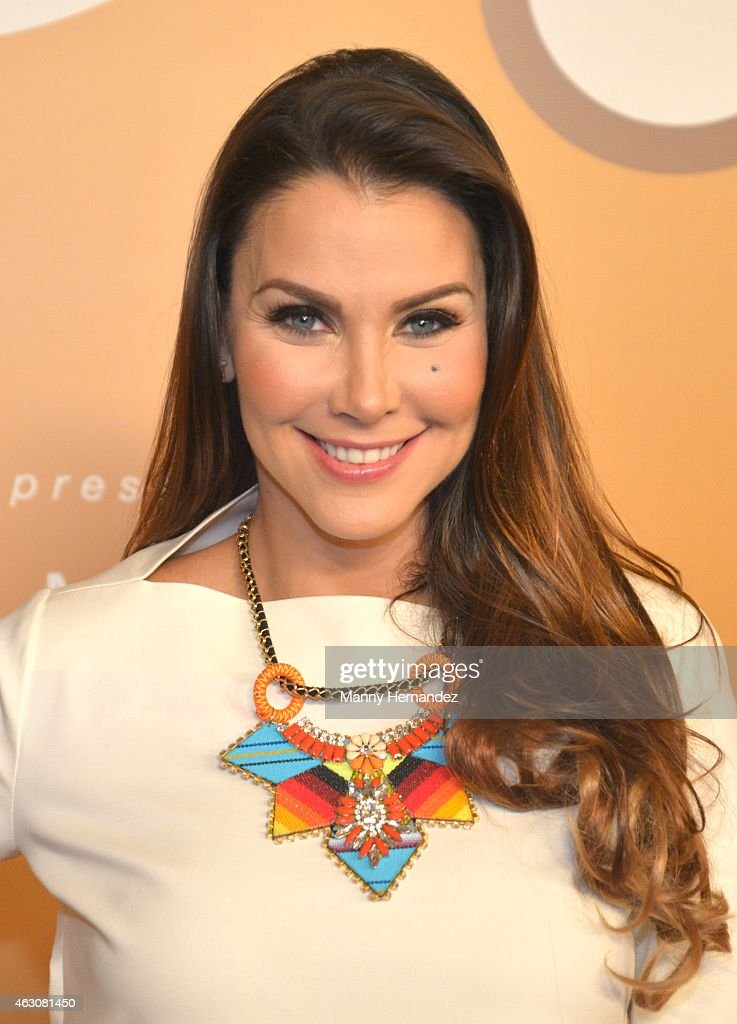 Gabriela Vergara attends the Billboard Latin 2015 nominees press conferenc... Show more - gabriela-vergara-attends-the-billboard-latin-2015-nominees-press-at-picture-id463081450