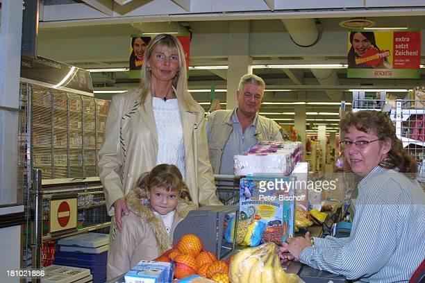 Gabriele Eckle Tochter Sina Eckle Ehemann Wilmuth Eckle Hückelhoven Supermarkt einkaufen Kasse Kassiererin