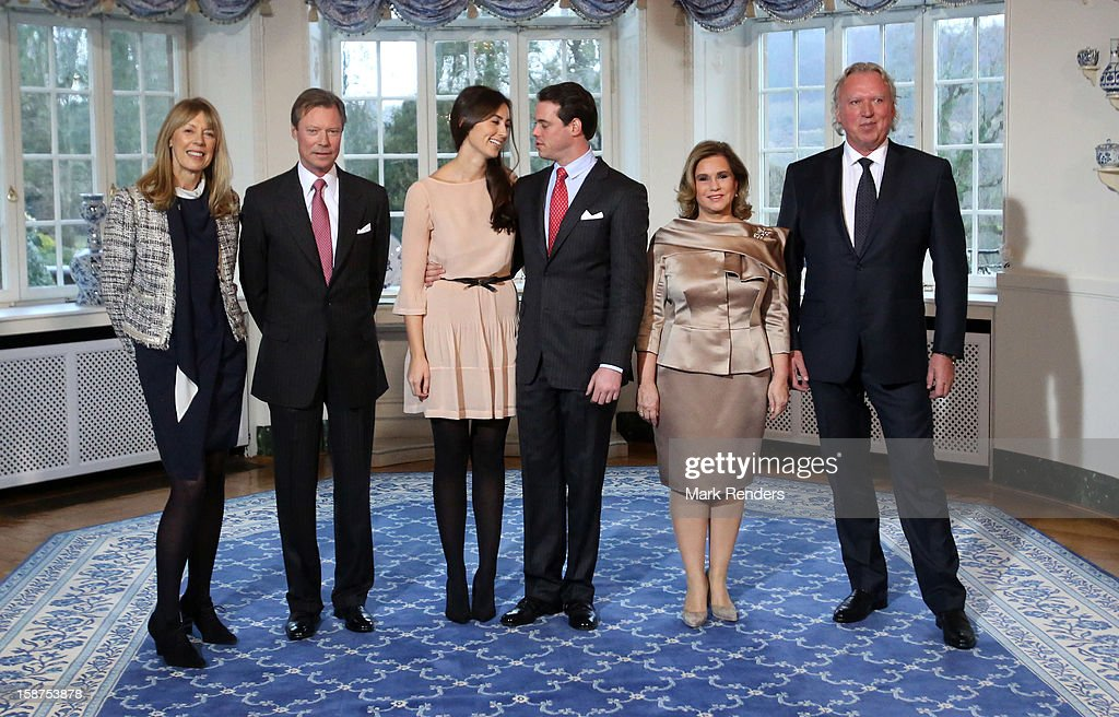 Gabriele Lademacher , Grand Duke Henri of Luxembourg, Claire Lademacher, <a gi-track='captionPersonalityLinkClicked' href=/galleries/search?phrase=Prince+Felix+of+Luxembourg&family=editorial&specificpeople=6881094 ng-click='$event.stopPropagation()'>Prince Felix of Luxembourg</a>, Grand Duchess Maria Theresa of Luxembourg and Hartmut Lademacher attend a Portrait Session at Chateau De Berg on December 27, 2012 in Luxembourg, Luxembourg.