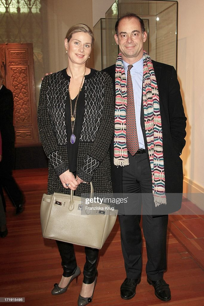 Gabriele Von Ribbentrop Und Ehemann Joachim Bei Der Eröffnung Der Ausstellung 'Die Schätze Des Aga Khan Museums' Im Martin-Gropius-Bau In Berlin .