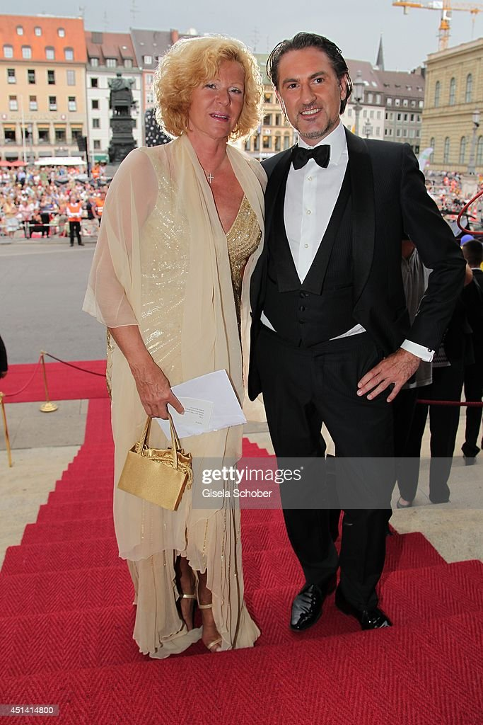 Gabriele von Thun and Peter Buchberger attend the 'Guillaume Tell' Opera Premiere at the Opera Festival Opening In Munich on June 28, 2014 in Munich, Germany.