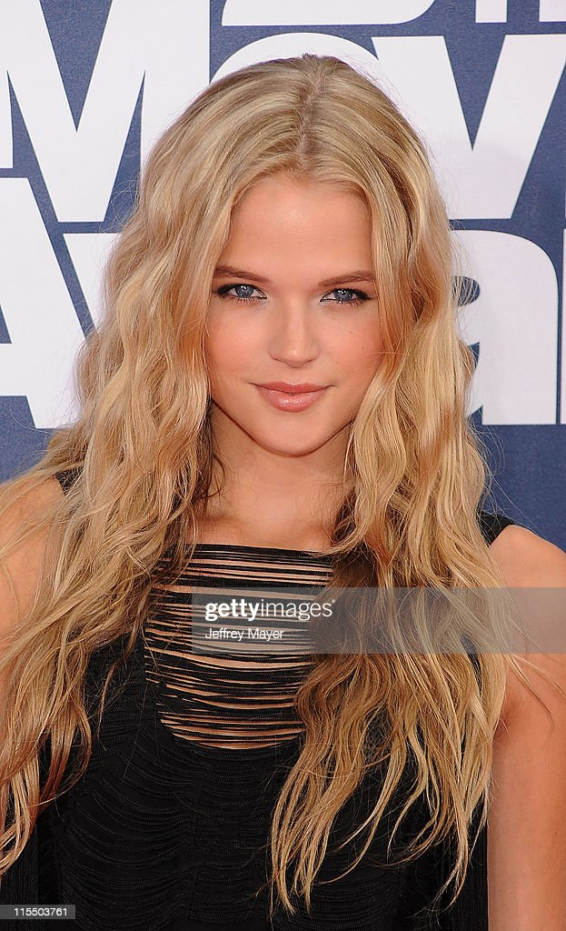 Gabriella Wilde arrives at the 2011 MTV Movie Awards at Universal Studios' Gibson Amphitheatre on June 5, 2011 in Universal City, California.