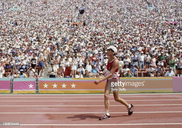 Gaby AndersenSchiess of Swiitzerland in a state of exhaustion at the finish of the first ever Women's Marathon during the XXIII Olympic Games 5th...