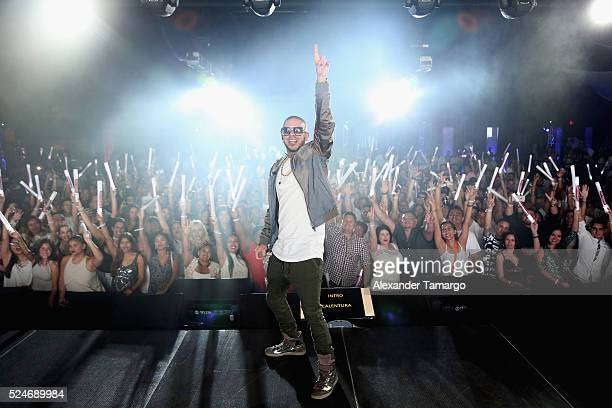 Gadiel performs onstage during the Noche De Musica at Ice Palace on April 26 2016 in Miami Florida