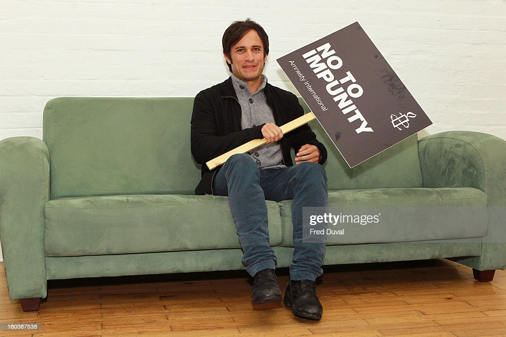 <a gi-track='captionPersonalityLinkClicked' href=/galleries/search?phrase=Gael+Garcia+Bernal&family=editorial&specificpeople=202025 ng-click='$event.stopPropagation()'>Gael Garcia Bernal</a> attends a photocall to promote his Oscar nominated film 'No', which tells the story of Chilean dictator Augusto Pinochet at The Human Rights Action Centre on January 30, 2013 in London, England.