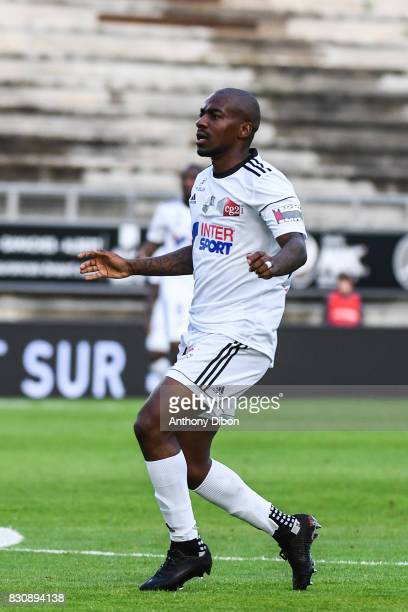 Gael Kakuta of Amiens looks dejected during the Ligue 1 match between Amiens SC and Angers SCO at Stade de la Licorne on August 12 2017 in Amiens