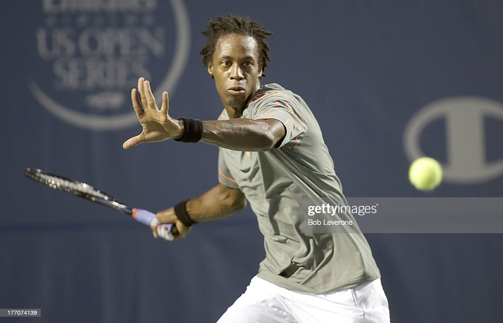Gael Monfils of France prepares for a hard return against Guido Pella of Argentina on August 20, 2013 in Winston Salem, North Carolina.