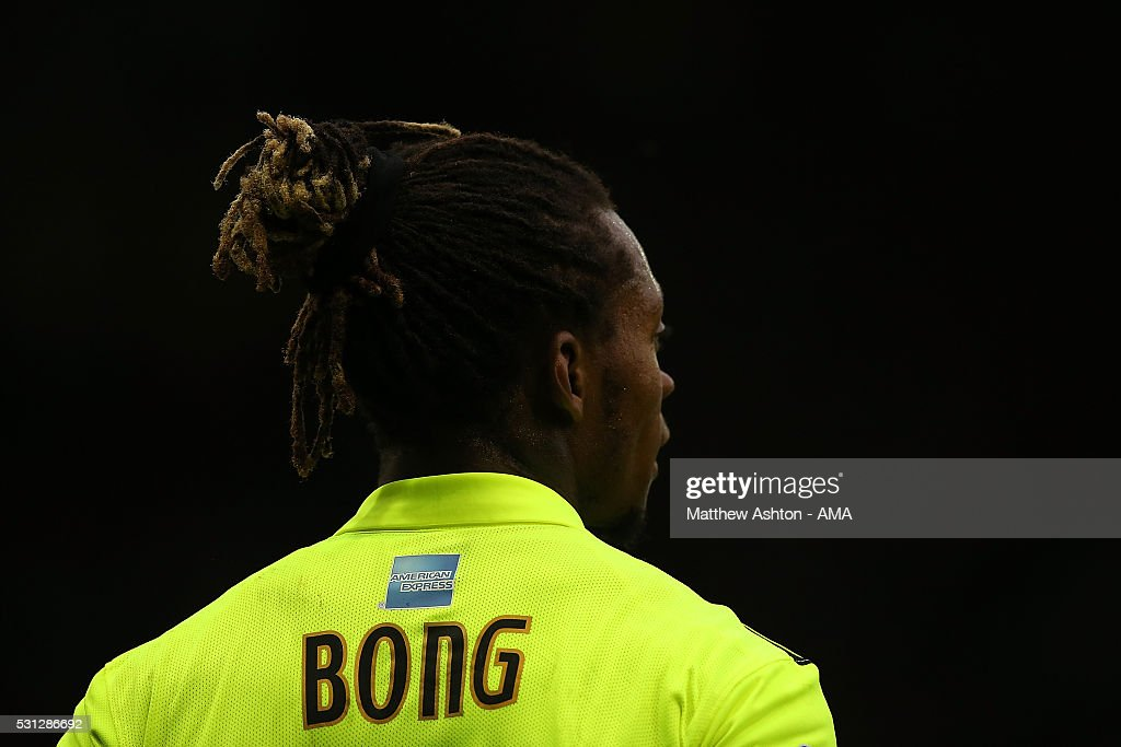 Gaetan Bong of Brighton & Hove Albion looks on during the Sky Bet Championship Play Off First Leg match between Sheffield Wednesday and Brighton & Hove Albion at Hillsborough stadium on May 13, 2016 in Sheffield, England.