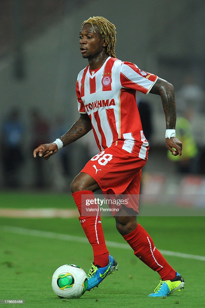 Gaetan Bong of Olympiacos FC in action during the greek Super League match between Olympiacos FC and Atromitos FC at Karaiskakis Stadium on August 25, 2013 in Piraeus, Greece.