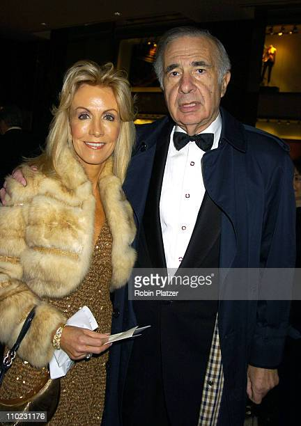 Gail Icahn and Carl Icahn during Lincoln Center for the Performing Arts Spring Gala March 30 2005 at The Rose Theatre at the Time Warner Center in...