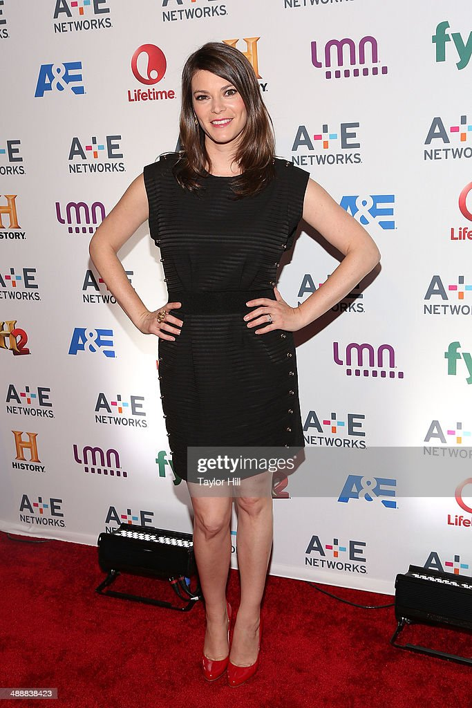 <a gi-track='captionPersonalityLinkClicked' href=/galleries/search?phrase=Gail+Simmons&family=editorial&specificpeople=4337508 ng-click='$event.stopPropagation()'>Gail Simmons</a> attends the 2014 A+E Networks Upfronts at Park Avenue Armory on May 8, 2014 in New York City.