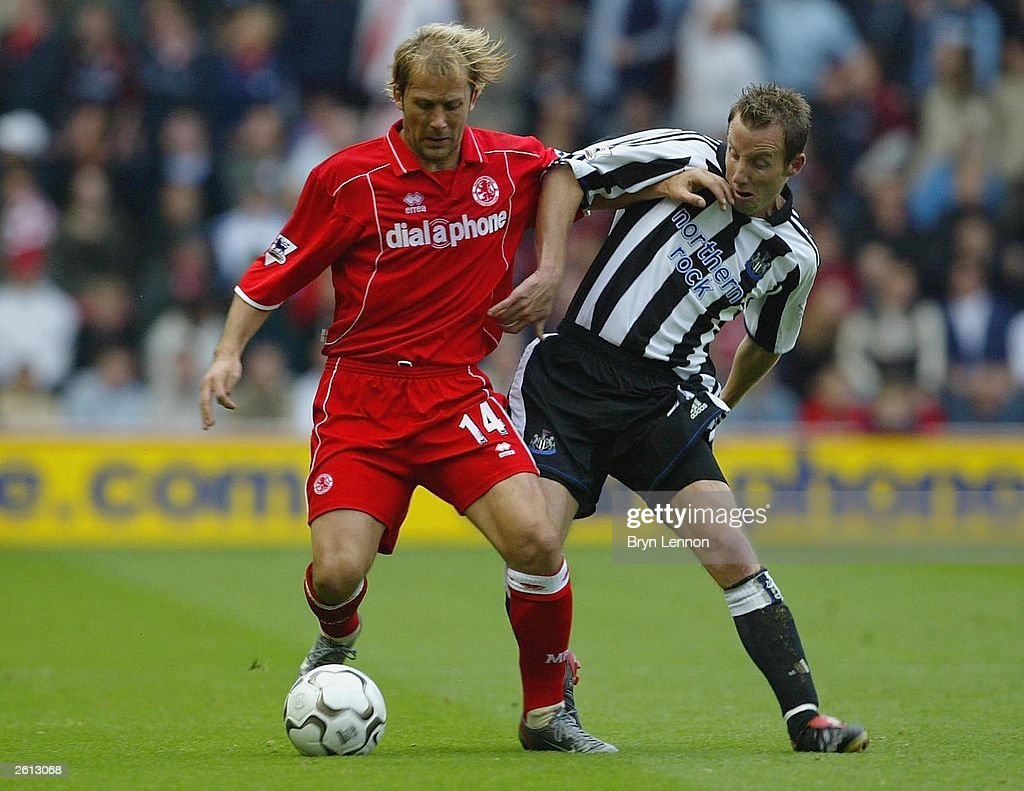 Gaizka Men ta is tackled by Lee Bowyer