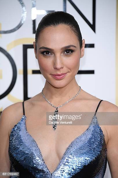 Gal Gadot attends the 74th Annual Golden Globe Awards at The Beverly Hilton Hotel on January 8 2017 in Beverly Hills California
