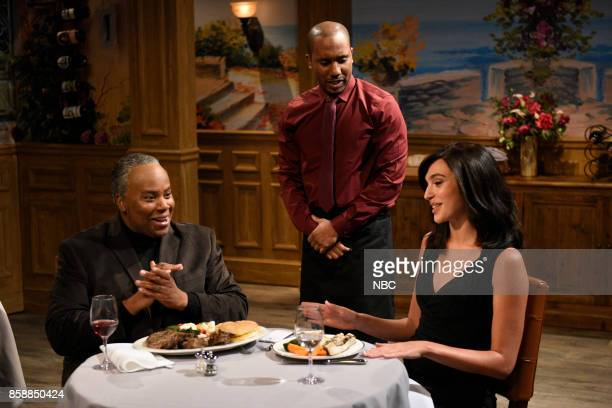 LIVE 'Gal Gadot' Episode 1727 Pictured Kenan Thompson as OJ Chris Redd as a waiter Gal Gadot as Amila during 'First Date' in Studio 8H on October 7...
