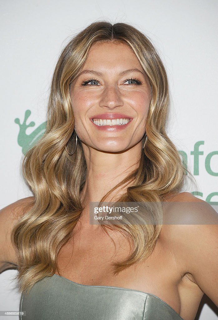 Gala Honorary Chair <a gi-track='captionPersonalityLinkClicked' href=/galleries/search?phrase=Gisele+Bundchen&family=editorial&specificpeople=201815 ng-click='$event.stopPropagation()'>Gisele Bundchen</a> attends the 2014 Rainforest Alliance Gala at American Museum of Natural History on May 7, 2014 in New York City.