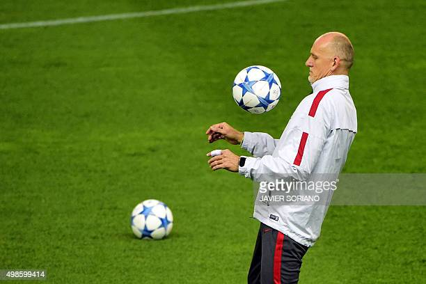Galatasaray's Brazilian assistant coach Claudio Taffarel controls the ball during a training session at the Vicente Calderon stadium in Madrid on...