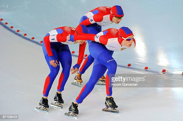 Galina Likhachova Yekaterina Lobysheva and Yekaterina Shikhova of team Russia compete in the Ladies' Team Pursuit Speed Skating QuarterFinals on day...