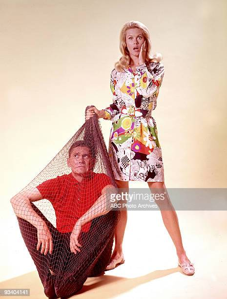 BEWITCHED gallery Season Five 9/26/68 Dick York Elizabeth Montgomery
