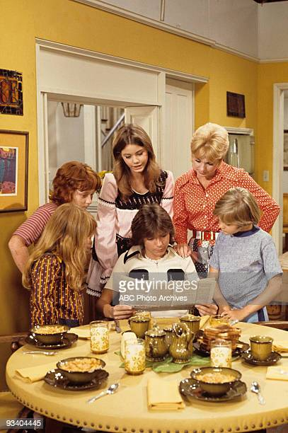 FAMILY gallery Season Three 9/29/72 Danny Bonaduce Suzanne Crough Susan Dey David Cassidy Shirley Jones Brian Forster