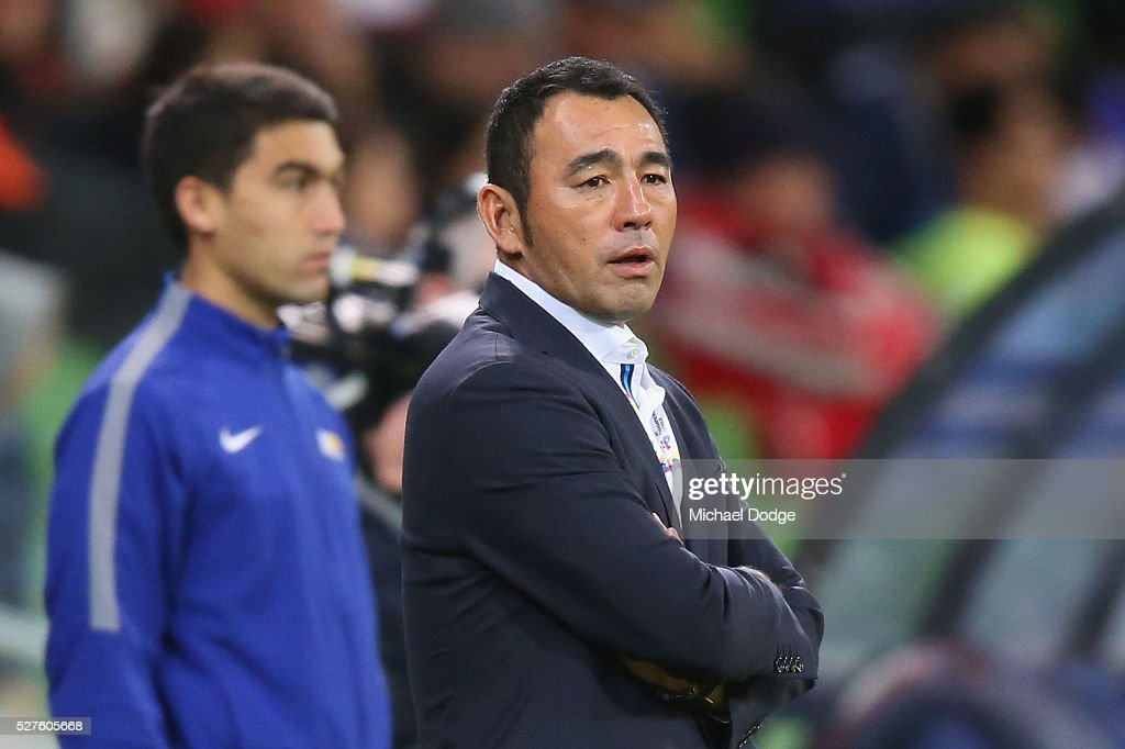 Gamba Osaka Head Coach <a gi-track='captionPersonalityLinkClicked' href=/galleries/search?phrase=Kenta+Hasegawa&family=editorial&specificpeople=7926150 ng-click='$event.stopPropagation()'>Kenta Hasegawa</a> looks on during the AFC Champions League match between Melbourne Victory and Gamba Osaka at AAMI Park on May 3, 2016 in Melbourne, Australia.