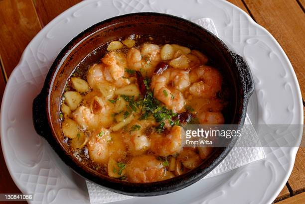 Gambas al ajillo (prawns with garlic)