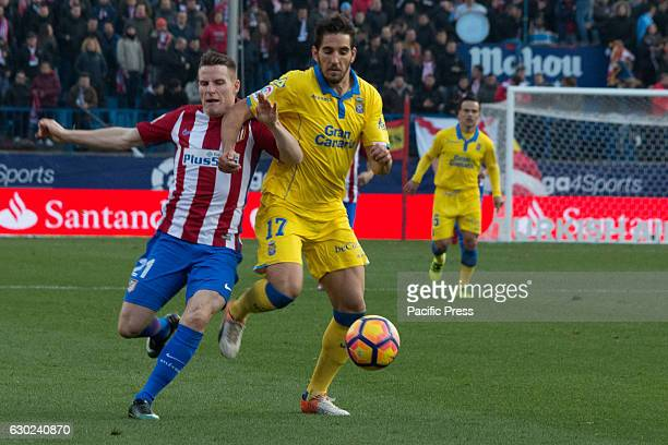 Gameiro fights whit Bigas Atletico de Madrid won by 1 to 0 over Las Palmas with a great goal by Saúl Ñiguez