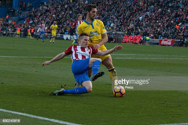 Gameiro try to shoot to goal over the presence of Bigas Atletico de Madrid won by 1 to 0 over Las Palmas with a great goal by Saúl Ñiguez