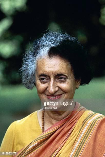 Gandhi Indira *Politikerin IndienPremierministerin 19661977 und 19801984 Portrait 1984