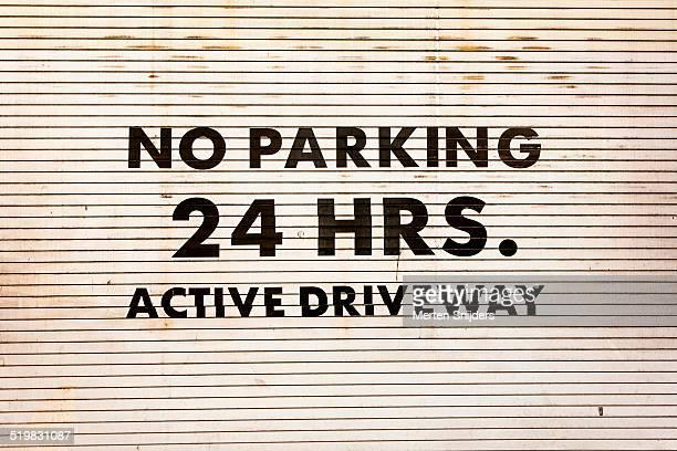 Garagedoor No Parking Active Driveway