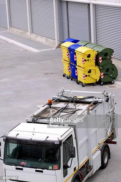 Müllauto und bin