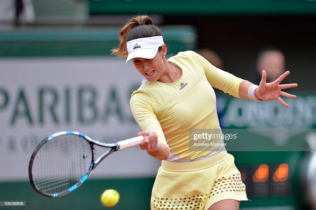 Garbine Muguruza of Spain plays a forehand during her women's singles fourth round match against Svelatana Kuznetsova of Russia on day eight of the 2016 French Open at Roland Garros on May 29, 2016 in Paris, France.