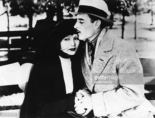 Garbo Greta Actress Sweden * Garbo with John Gilbert in the film 'Flesh and the Devil' Directed by Clarence Brown USA 1926 Film Production...
