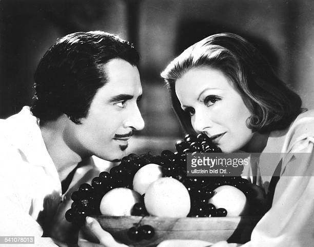 Garbo Greta Actress Sweden * with John Gilbert in the film 'Queen Christina' Directed by Rouben Mamoulian USA 1933 Film Production MetroGoldwynMayer...