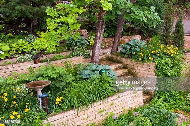 庭園にある擁壁