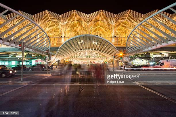 Gare do Oriente railway station at night