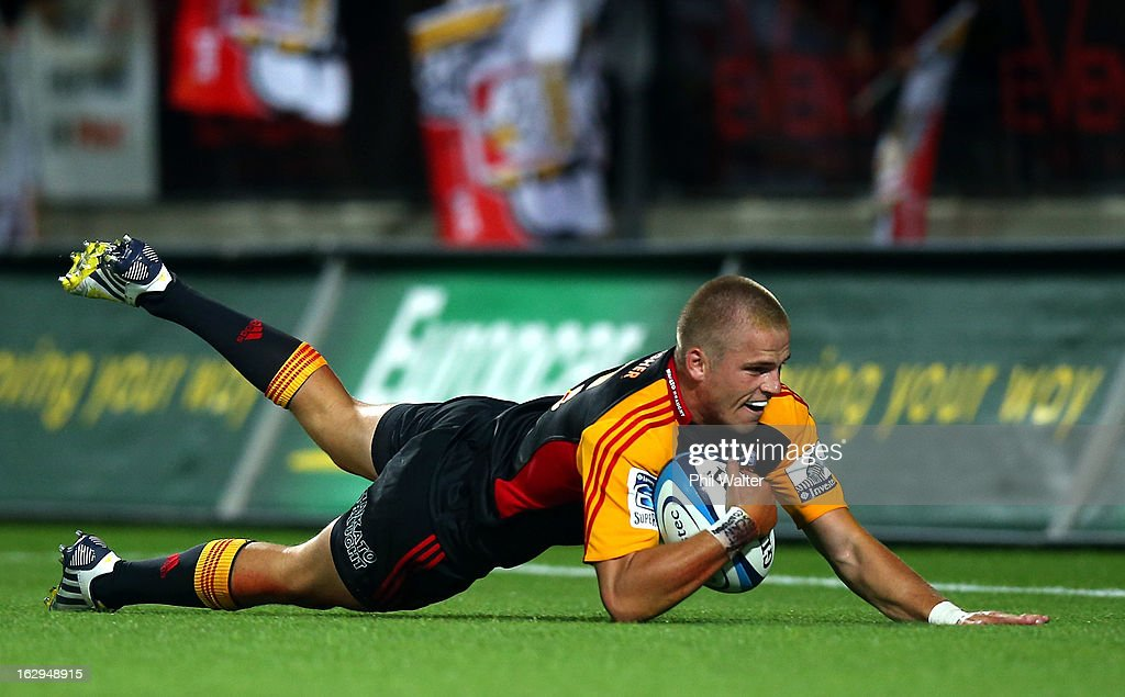 Gareth Anscombe of the Chiefs scores a try during the round three Super Rugby match between the Chiefs and the Cheetahs at Waikato Stadium on March 2, 2013 in Hamilton, New Zealand.
