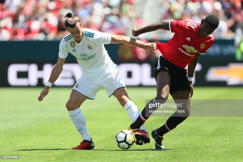 Gareth Bale of Real Madrid and Timothy Fosu-Mensah of Manchester United during the International Champions Cup 2017 match between Real Madrid v Manchester United at Levi'a Stadium on July 23, 2017 in Santa Clara, California.