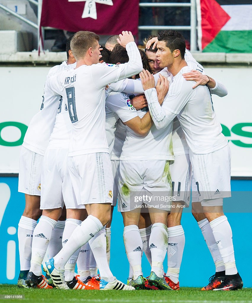 Gareth Bale (2ndR) of Real Madrid celebrates after scoring goal during the La Liga match between SD Eibar and Real Madrid at Ipurua Municipal Stadium on November 29, 2015 in Eibar, Spain.
