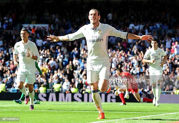 Gareth Bale of Real Madrid celebrates after scoring his 2nd goal during the Liga match between Real Madrid CF and Leganes on November 6 2016 in...