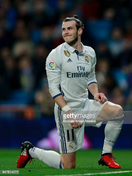 Gareth Bale of Real Madrid CF reacts as he fail to score during the La Liga match between Real Madrid CF and UD Las Palmas at Estadio Santiago...