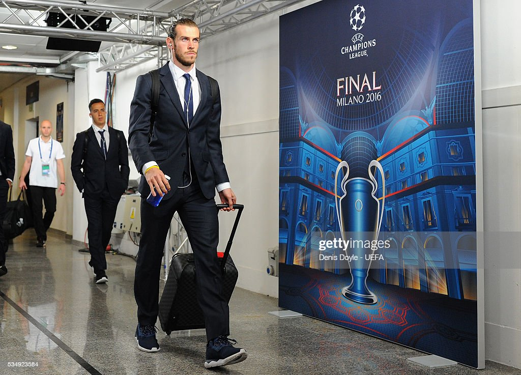 <a gi-track='captionPersonalityLinkClicked' href=/galleries/search?phrase=Gareth+Bale&family=editorial&specificpeople=609290 ng-click='$event.stopPropagation()'>Gareth Bale</a> of Real Madrid is seen on arrival at the stadium prior to the UEFA Champions League Final between Real Madrid and Club Atletico de Madrid at Stadio Giuseppe Meazza on May 28, 2016 in Milan, Italy.