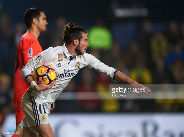 Gareth Bale of Real Madrid reacts after scoring the first goal during the La Liga match between Villarreal CF and Real Madrid at Estadio de la...
