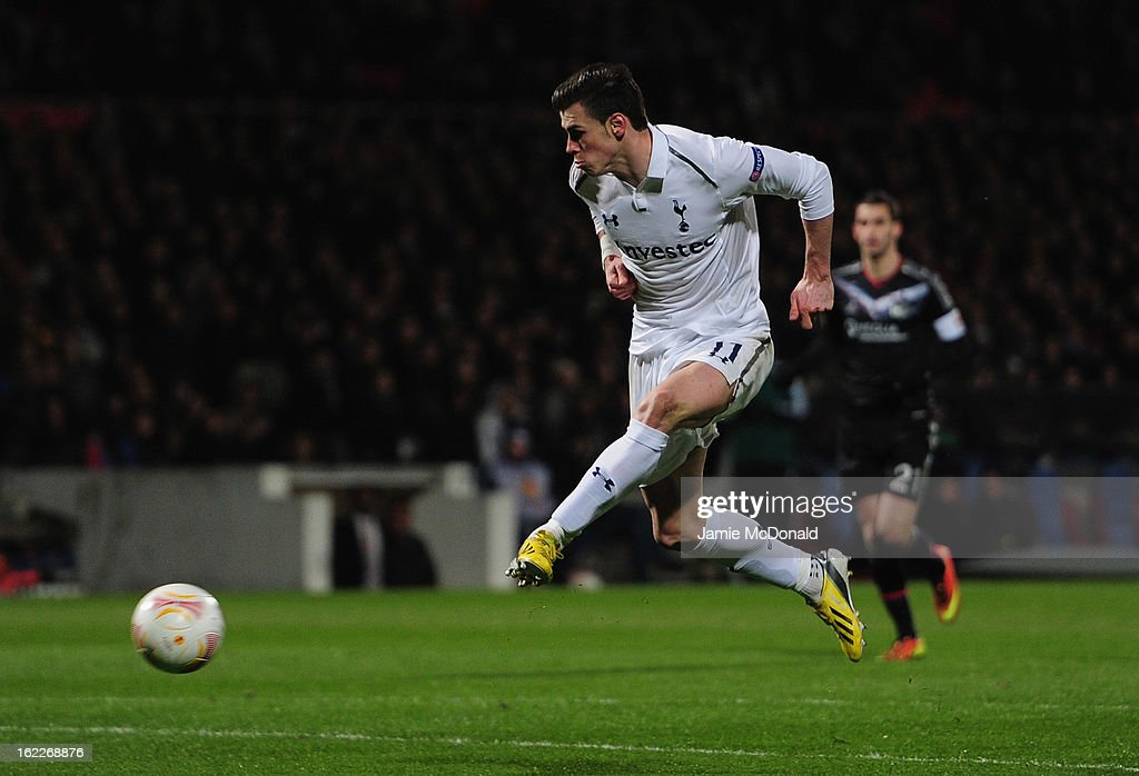 Gareth Bale of Spurs misses a open chance during the UEFA Europa League Round of 32, second leg match between Olympique Lyonnais and Tottenham Hotspur FC at Stade de Gerland on February 21, 2013 in Lyon, France.