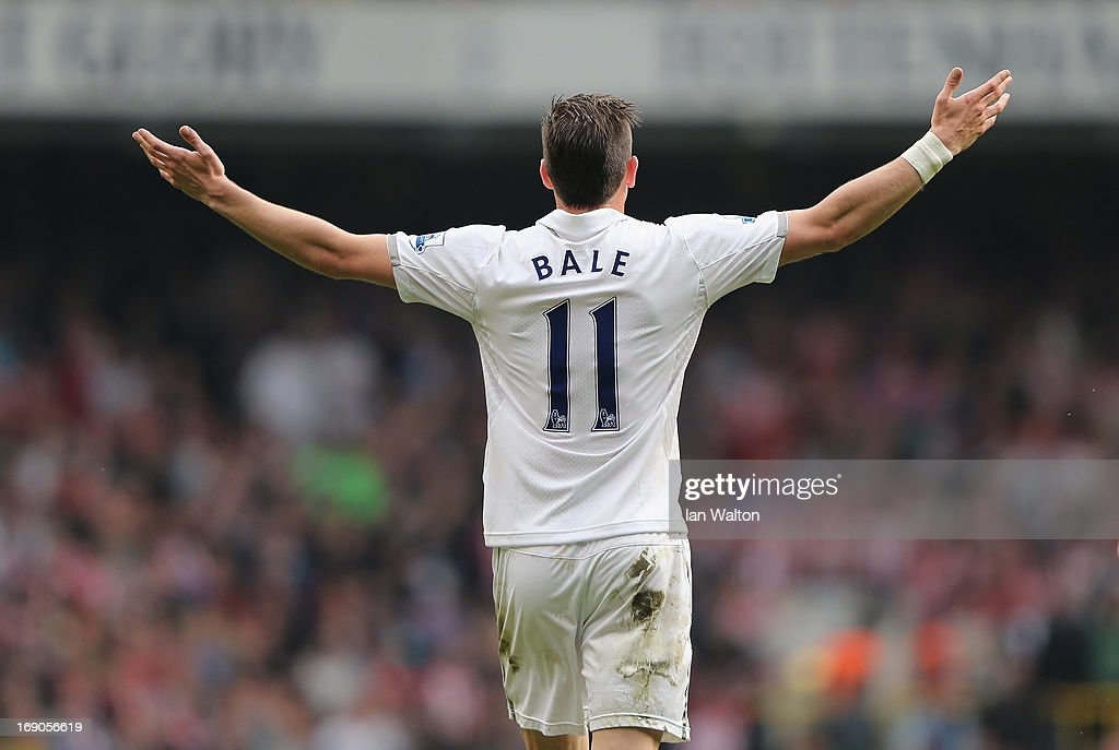 <a gi-track='captionPersonalityLinkClicked' href=/galleries/search?phrase=Gareth+Bale&family=editorial&specificpeople=609290 ng-click='$event.stopPropagation()'>Gareth Bale</a> of Tottenham Hotspur celebrates a goal during the Barclays Premier League match between Tottenham Hotspur and Sunderland at White Hart Lane on May 19, 2013 in London, England.
