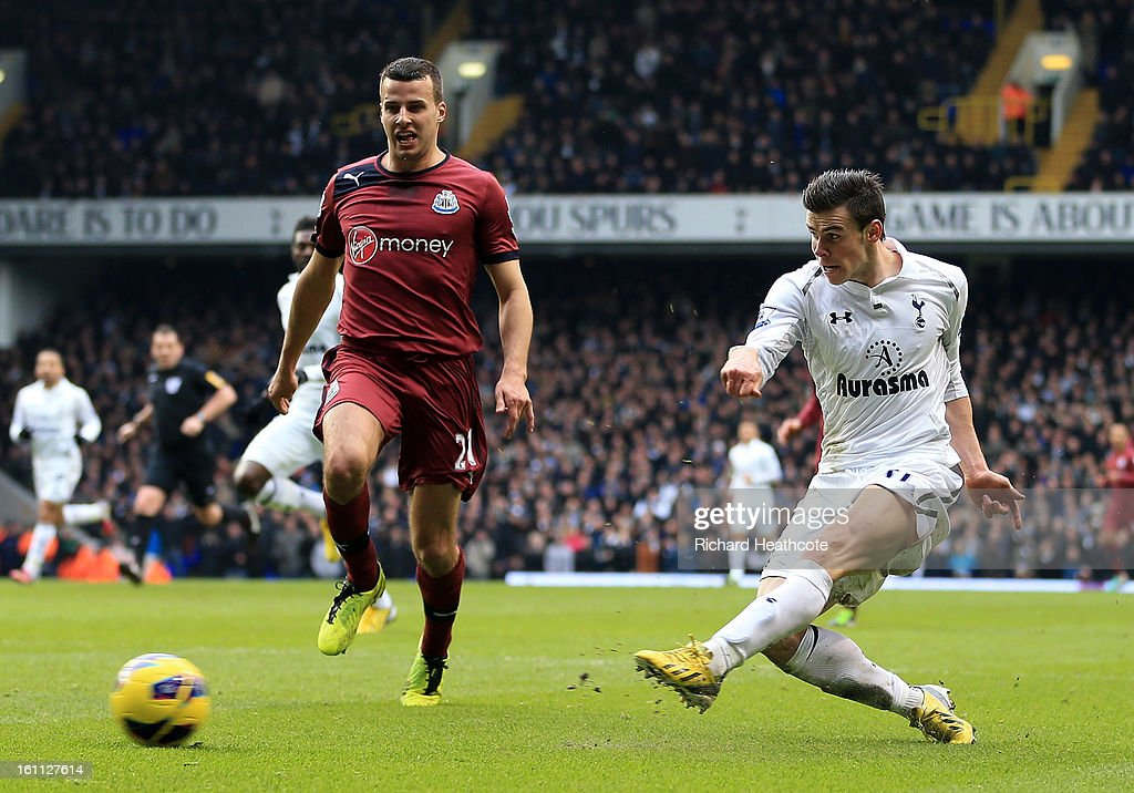 <a gi-track='captionPersonalityLinkClicked' href=/galleries/search?phrase=Gareth+Bale&family=editorial&specificpeople=609290 ng-click='$event.stopPropagation()'>Gareth Bale</a> of Tottenham scores the winning goal during the Barclay's Premier League match between Tottenham Hotspur and Newcastle United at White Hart Lane on February 9, 2013 in London, England.