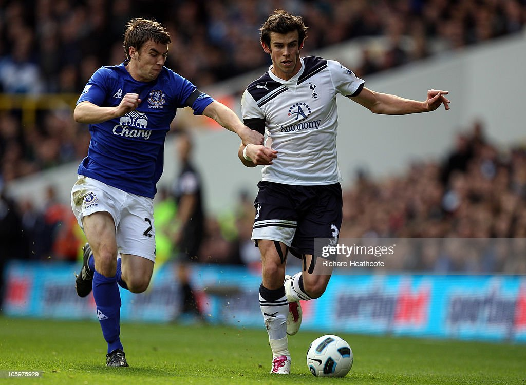 <a gi-track='captionPersonalityLinkClicked' href=/galleries/search?phrase=Gareth+Bale&family=editorial&specificpeople=609290 ng-click='$event.stopPropagation()'>Gareth Bale</a> of Tottenham shrugs off the challenge of Seamus Coleman of Everton during the Barclays Premier League match between Tottenham Hotspur and Everton at White Hart Lane on October 23, 2010 in London, England.