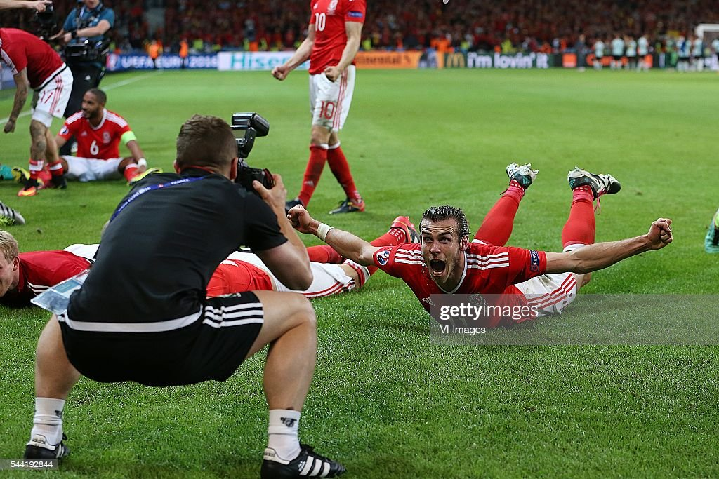 Gareth Bale of Wales celebrate, photographer during the UEFA EURO 2016 quarter final match between Wales and Belgium on July 2, 2016 at the Stade Pierre Mauroy in Lille, France.