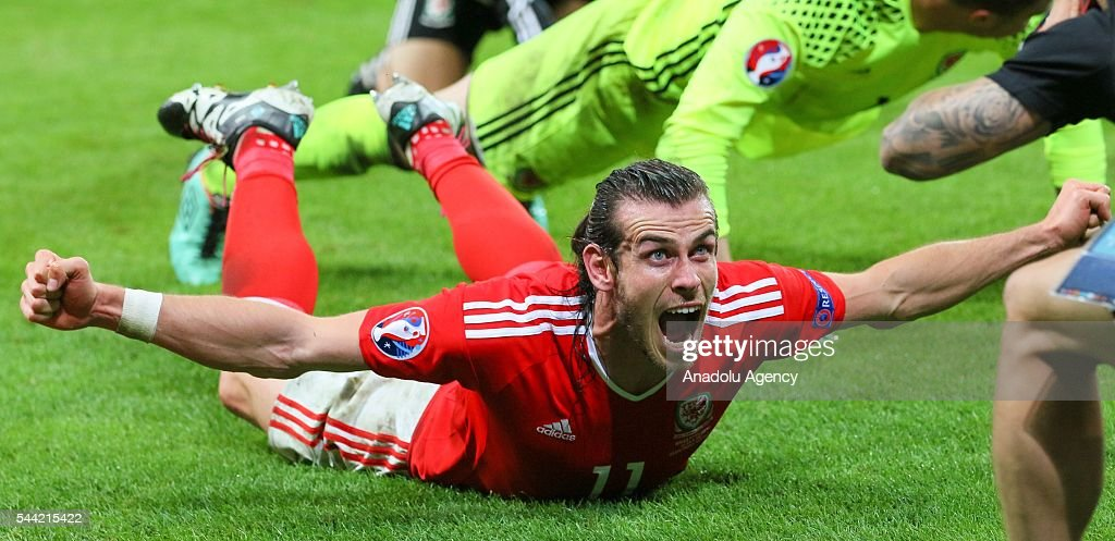 Gareth Bale of Wales celebrates the victory following the UEFA Euro 2016 quarter final match between Wales and Belgium at Stade Pierre-Mauroy on July 1, 2016 in Lille, France.
