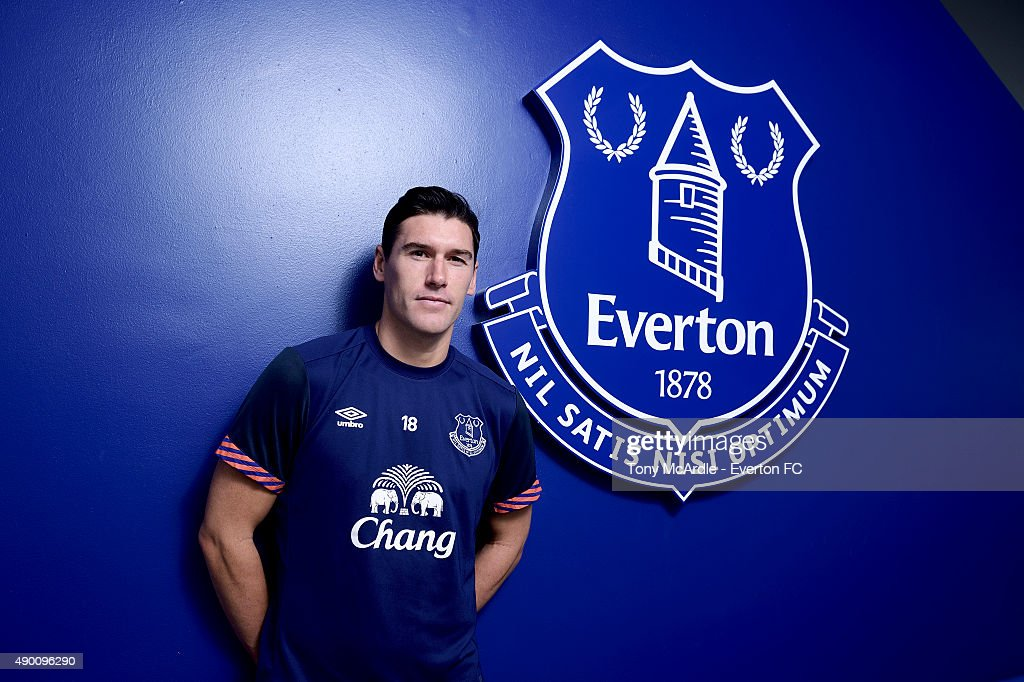 <a gi-track='captionPersonalityLinkClicked' href=/galleries/search?phrase=Gareth+Barry&family=editorial&specificpeople=209123 ng-click='$event.stopPropagation()'>Gareth Barry</a> at Finch Farm, the training ground of Everton Football Club on September 26, 2015 in Halewood, England.