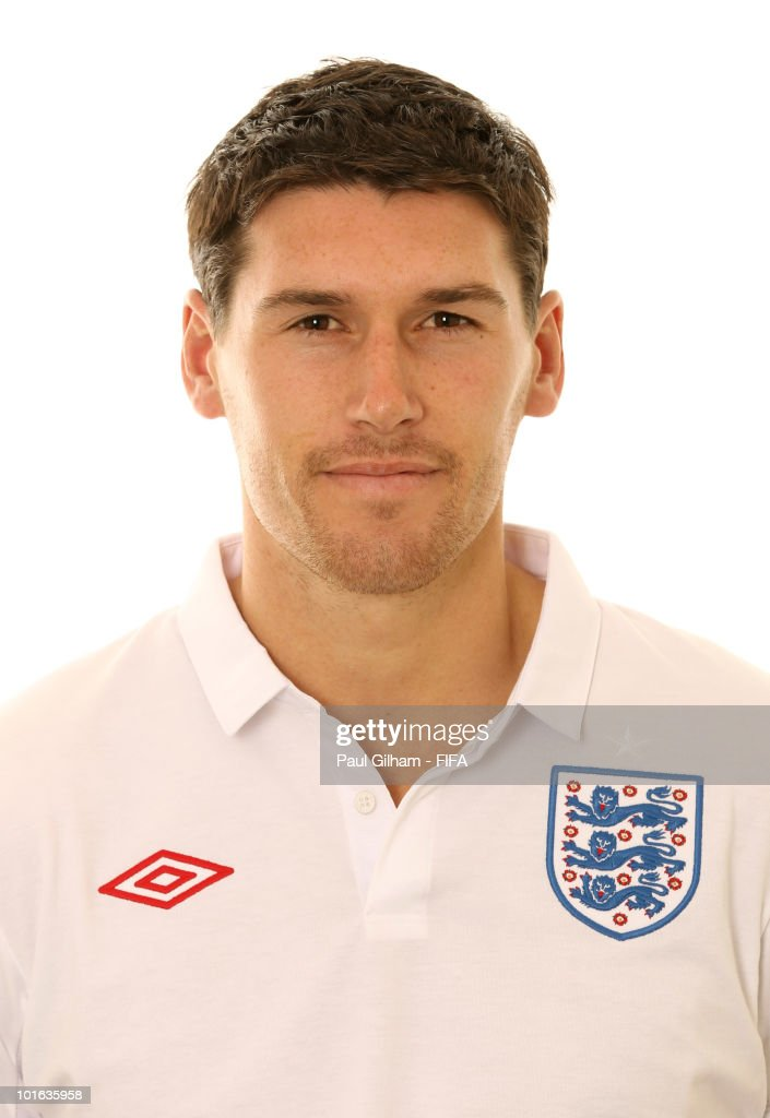 <a gi-track='captionPersonalityLinkClicked' href=/galleries/search?phrase=Gareth+Barry&family=editorial&specificpeople=209123 ng-click='$event.stopPropagation()'>Gareth Barry</a> of England poses during the official FIFA World Cup 2010 portrait session on June 4, 2010 in Rustenburg, South Africa.